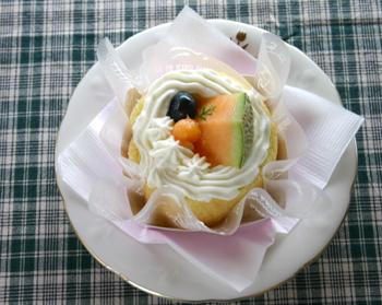 川のほとりの小さなケーキ屋さん090719d