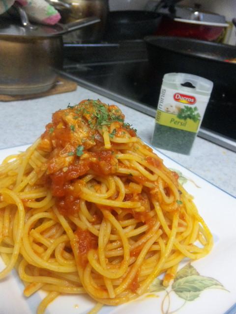 TomatoPastaWithSeaChicken