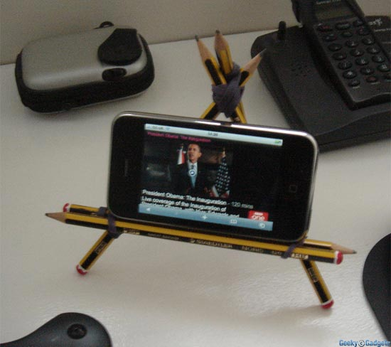pencil-iphone-stand1.jpg