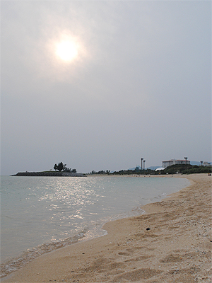 名護のビーチ_03
