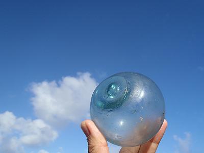 漂着物のガラス玉