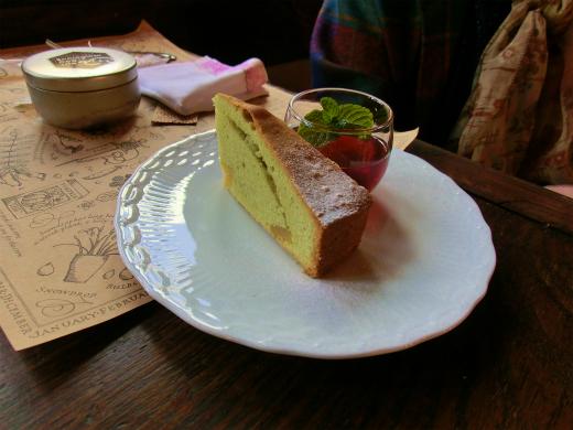 抹茶と栗のケーキ