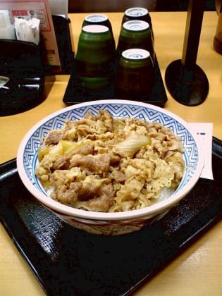 2011.05吉野家牛丼大盛2