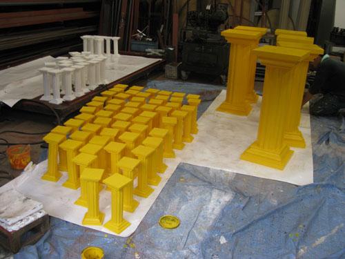 黄色ギリシャ柱