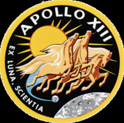 200px-Apollo_13-insignia[1]