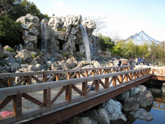 2010/04月/わんぱーくこうち滝1