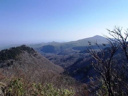 三光の宮から北泉が岳方面