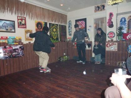 BATTLE AT THE 8CAFE
