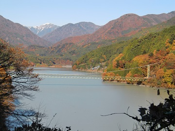井川湖と吊り橋