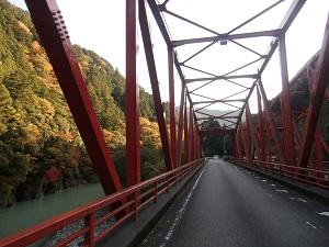 鉄橋を渡れば千頭