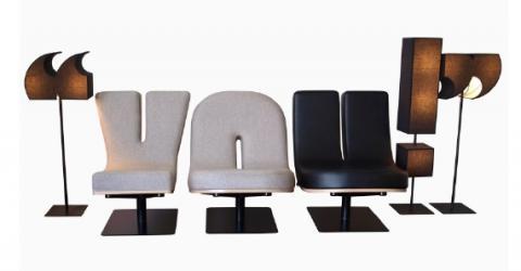 自分ならどう並べようかとわくわくするアルファベットの椅子