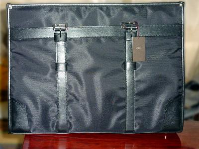鞄のプレゼント.jpg