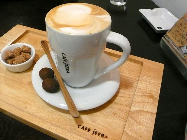 CAFÉ jEEBA カフェ ジーバ 弘前