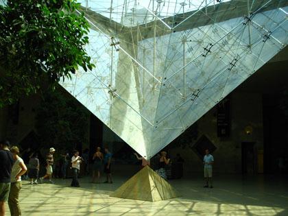 ルーブルピラミッド2