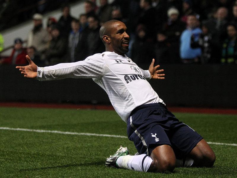 Aston-Villa-v-Tottenham-Jermain-Defoe_2878440.jpg