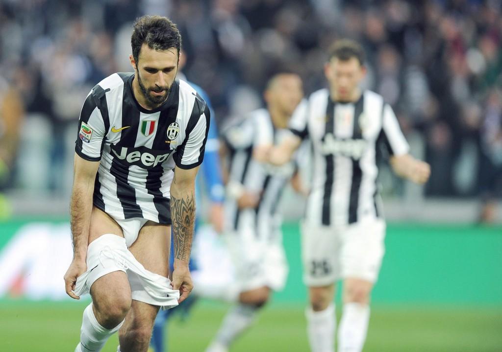 Mirko-Vucinic-alienta-al-Juventus-a-la-espera-del-Bayern.jpg