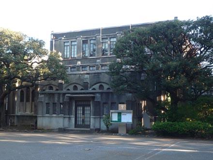学院本部・礼拝堂①