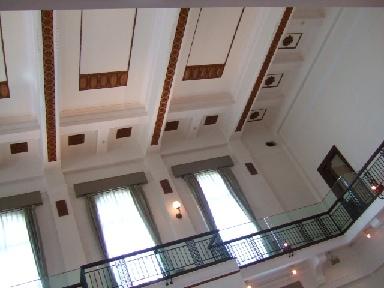 カーブドッチ天井