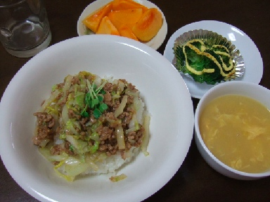 白菜ひき肉丼