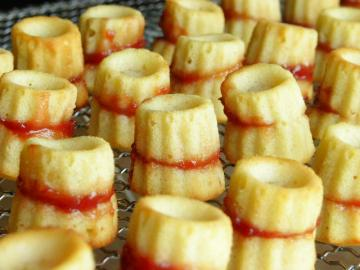 スモモとチーズのカップケーキ 焼き上がり