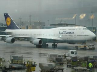バルセロナ行きのルフトハンザ機