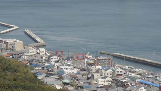 観覧車の上から岩屋港