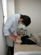 フミちゃん 足を見る 診察
