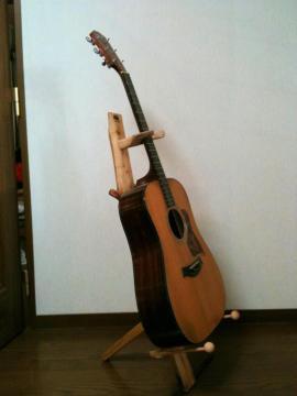 森のギタースタンド4