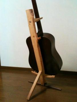 森のギタースタンド5