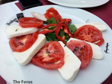トルコ イスタンブール チーズ トマト