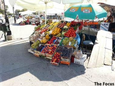 ギリシャ エギナ島 果物店