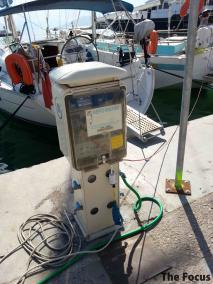ギリシャ エギナ島 給水器