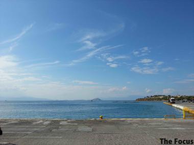 エギナ島 港
