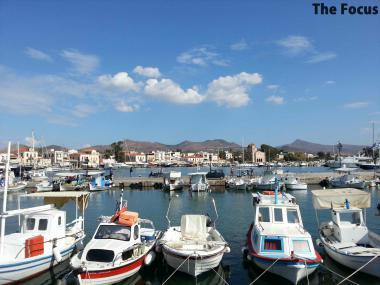 ギリシャ エギナ島 港