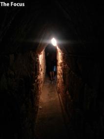 サモス島 洞窟 狭い