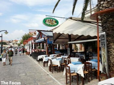 ギリシャ サモス島 レストラン ピタゴリオ