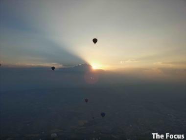 トルコ カッパドキア 気球 旅行