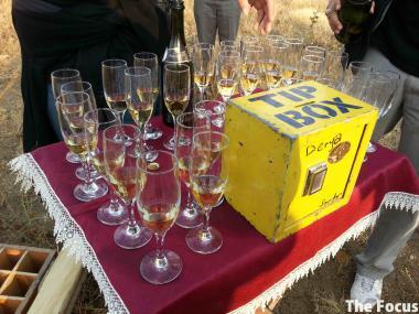 トルコ カッパドキア 気球 シャンパン