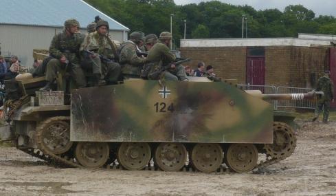 3号突撃砲とドイツ兵