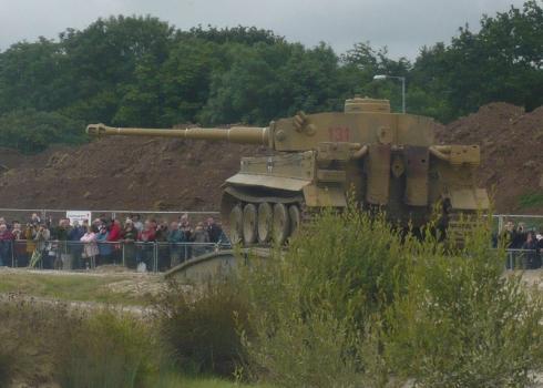 タイガー戦車砲撃
