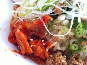 麺辰 冷やし坦々麺 キムチ