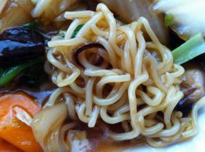 麺飯甜 あんかけ焼そば 麺アップ