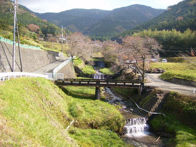 丹沢橋を望む25