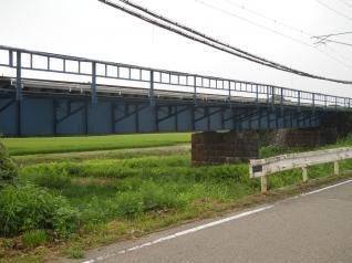 途中の鉄橋