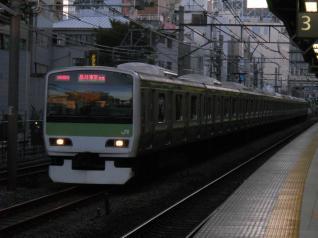 E231系トウ521編成