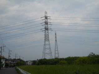入間川を渡る南狭山線と武蔵赤坂線