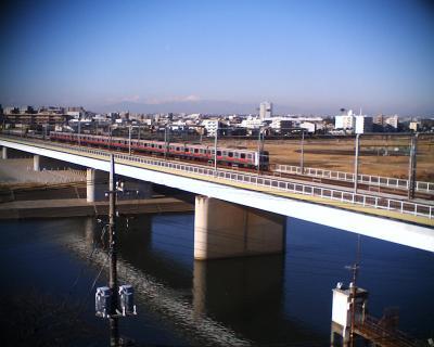 富士山と電車と月と:R2