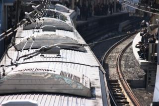 100124_JRE209-U52_Yokohama.jpg
