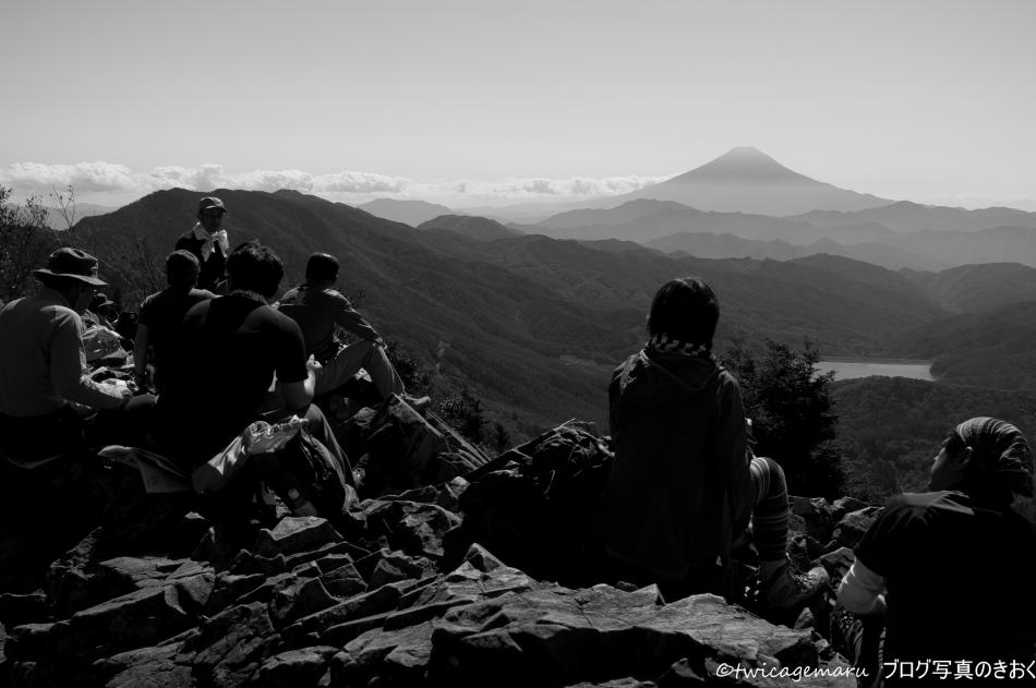 雷岩より富士を望む