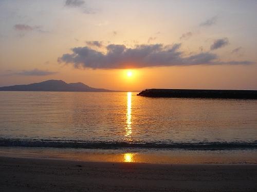 富江湾の朝日